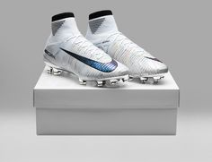 The new Nike Mercurial Superfly V Melhor boots celebrate Cristiano Ronaldo winning the 2017 The Best award. Best Soccer Cleats, Girls Soccer Cleats, Nike Cleats, Nike Soccer, Cool Football Boots, Soccer Boots, Football Shoes, Football Cleats, Football Players