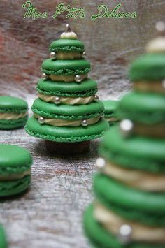 Christmas Tree Macarons