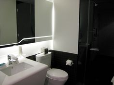 original_W_New_York_Downtown_Hotel_Review-Cool_Corner_Room-Bathroom.jpg (640×480)
