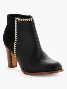 Boots Bimatières avec Broderies, La Halle, 59,99€
