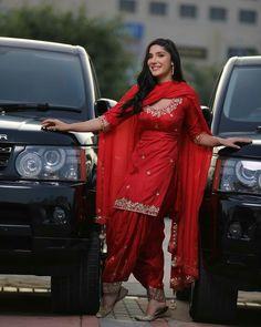 Queries nivetasfashion@ specialise in hand embroidered bridal outfit international delivery email nivetasfashion@ bridal lehengas. Red Salwar Suit, Indian Salwar Kameez, Punjabi Wedding Suit, Wedding Suits, Punjabi Fashion, Indian Fashion, Indian Dresses, Indian Outfits, Punjabi Dress