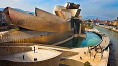 BBC - Culture - Guggenheim Museum Bilbao: Art inside and out