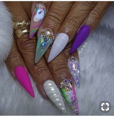 Our obsession with unicorn everything is never running out! Whether you want to go all out and emboss an actual unicorn horn onto your nail or simply embrace these unicorn-inspired shades from Nails Inc we think it's definitely a nail trend to try! Diy Unicorn, Unicorn Nail Art, Get Nails, Love Nails, Pretty Nails, Unicorn Nails Designs, Finger, Exotic Nails, Nail Candy