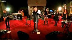 Pink - Girl On Fire live from Live Lounge (+playlist)