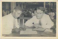 Fred Lansdorf vertelt op site Verhalen van Vroeger. 1938, Suriname, Paramaribo Hier onderteken ik de akte van bekwaamheid als onderwijzer. Rechts zit inspekteur Van Boheemen. Onze groep was begonnen met 18 studenten; ik was daarvan de enige die op die dag slaagde. Zie verhalenvanvroeger.nl