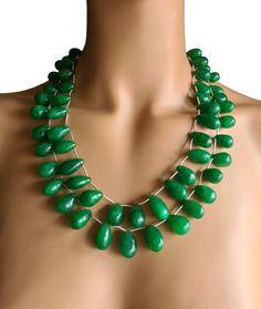 Extravagantes Smaragd Collier Smaragd-Perlen 10 x 15 mm–Pear Perlen-Reihen 43 & 47,5 cm 875 Karat Verstellbare Seidenbänder Handgefertigt in Indien #JOY #Einzelstücke #Smaragd #Collier #smaragdcollier #smaragdschmuck #schmuck #Pear #Emerald #Necklace #emeraldnecklace #handgefertigt #handmade #handmadejewelry #jewellery #emeraldjewelry #emeraldjewellery #handmadejewelry #jewelry #IndianDreams #Geschenk #Geschenkidee #gift #Muttertag #Hochzeitstag #Weihnachten #emeraudecollier… Joy Shop, Emerald Jewelry, Pear, Turquoise Necklace, Pendants, Necklaces, Pendant Necklace, Gift Ideas, Gifts