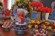 Produção Circo!! Tudo começa com ele, o convite!! Uma linda produção de circo para comemorar os 02 anos do Lucas Gabriel!! Adorei criar e ...