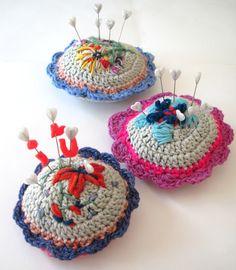 elsbeth eksteen: crochet pin cushions