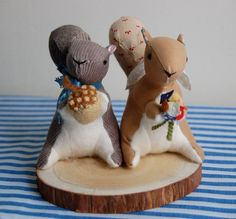 squirrel cake toppers @Katelyn Trussell ?? bahahahahah!!!
