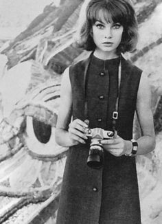 Jean Shrimpton behind the lens (Vogue UK January 1963, photographed by David Bailey in Mexico).
