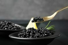 click4crete            : Ιρανικό χαβιάρι Beluga, ένα εκλεκτό έδεσμα για τις... Blackberry, Fruit, Food, Essen, Blackberries, Meals, Yemek, Rich Brunette, Eten