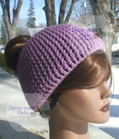 Free crochet pattern: Messy Bun Hat with a Twist by Home made hats by Cheryl