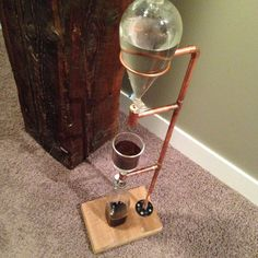 Reclaimed Wood and Copper Cold Brew Coffee Tower Cold Drip Coffee Maker, Diy Cold Brew Coffee, Cold Brew Coffee Recipe, Cafe Barista, Coffee Cafe, Coffee Truck, Brewing Tea, Coffee Drinkers, Cafe Design