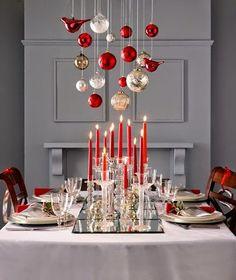 KARÁCSONYI DEKORÁCIÓK: Klasszikus piros karácsonyi asztalterítési ötletek