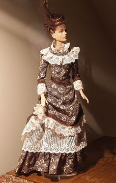 historic dolls gowns   ./.47.17.5 qw