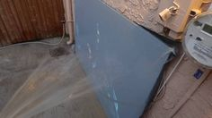 SPRAY MY PROJECTION SCREEN WITH A WATER HOSE INDOOR & OUTDOOR SCREEN PAINT!
