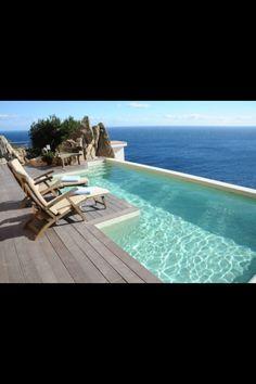 An der Costa Brava lässt es sich stilvoll Urlaub machen. Kommt mit und entspannt Euch!http://www.ferienwohnungen-spanien.de/Costa-Brava/ferienhauser#&=-1964265807