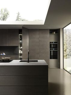 Modern Luxury Kitchens For A Grand Kitchen Modern Grey Kitchen, Grey Kitchen Designs, Luxury Kitchen Design, Luxury Kitchens, Interior Design Kitchen, Modern Interior Design, Modern Kitchens, Minimal Kitchen, Home Decor Kitchen
