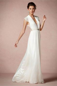 vestido de novia 2014 en color blanco con estilo minimalista y mangas cortas - Foto BHLDN