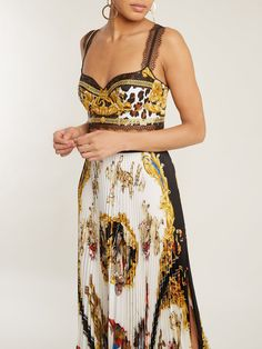 VERSACE Wild Baroque-print silk-twill bustier cropped top and Native Americans-print pleated silk-twill skirt Donatella Versace, Eid Outfits, Fashion Outfits, Fashion Clothes, Baroque, Rococo, Corsage, Versace Top, Native American Print