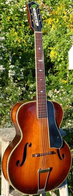 c.1935 Harmony-made T&D Biltmore Diana Archtop