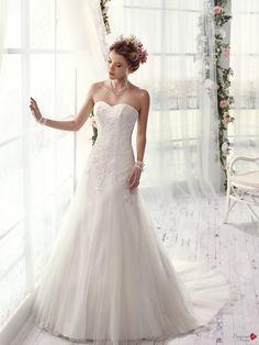Robes de mariée Mademoiselle Amour, modèle Mlle De Calais http://www.pronuptia.com/fr