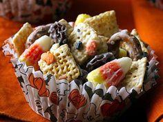 Halloween Chex Mix (White Chocolate) #recipe #autumn #fall