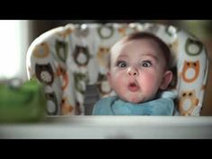 Pampers Pooface - YouTube, slow motion, lento, lenta, cara, expresion, sonrisa, bostezo, niño,