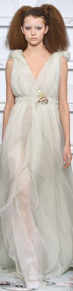Schiaparelli Spring 2016 Couture vogue