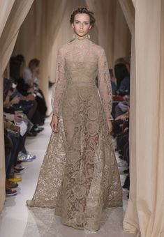 valentino-haute-couture-spring-2015-runway-photos11