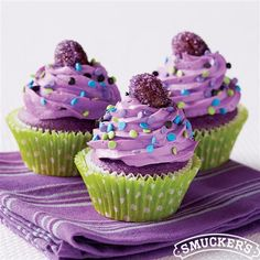 #Grape Filled Purple #Cupcakes from Smucker's®