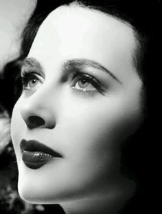 Hedy Lamarr, The most beautiful actress in Hollywood AND also an inventor of an important wireless communication technique. Talk about beauty and brains! Hollywood Glamour, Golden Age Of Hollywood, Vintage Hollywood, Hollywood Stars, Hollywood Actresses, Classic Hollywood, Classic Actresses, Beautiful Actresses, Vintage Glamour
