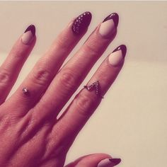 Almond nails. Pointed nails. Black tips. Dermal piercing. Wedding ring. Ring. Midi ring. Claws