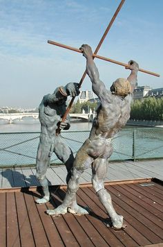 Ousmane Sow is a Senegalese sculptor of life-size statues of humans and groups of humans. Art Masculin, Ousmane Sow, Xavier Veilhan, Masculine Art, Life Size Statues, Turn To Stone, Art Africain, Art Of Man, Greek Art