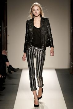 Balmain Spring 2011 Ready-to-Wear Fashion Show - Anabela Belikova (SILENT)