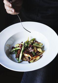 Roasted Potatoes, Asparagus, & Prosciutto | Suvi sur le vif // Lily