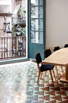 Awesome tile pattern floor by David Kohn Architects In Barcelona, Spain | Yatzer
