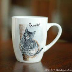 Malowany ręcznie kubek z kotem / Hand painted mug with a cat
