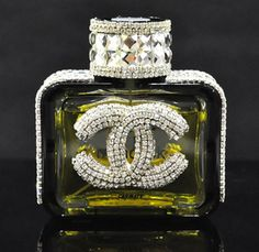 Car perfume, Car perfume / purification / cooling agent, Auto interior accessories, Auto Parts, Small fragrant control! Crystal perfume seat car seat car perfume Chanel luxury car ornaments decorations