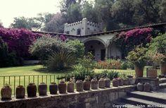 Google Image Result for http://cdn.c.photoshelter.com/img-get/I0000ugPh3Km6XJ4/s/860/860/Mexico-City010.jpg