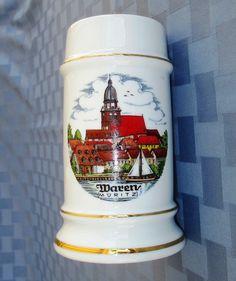 Mug souvenir de Waren (Müritz), Alemania, con la iglesia de Santa María asomando sobre el lago Müritz / Vintage Waren (Müritz) Germany ceramic souvenir beer mug