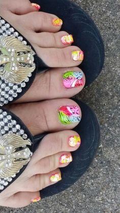 Cute toes nails design