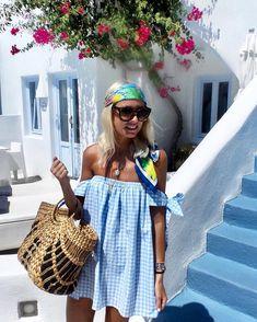 Dreaming of summer ☀️ @elleestgrece dress @uniqueallure bag #astrasuites #santorini #greece