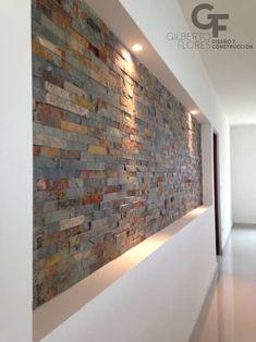 Detalle Piedra: Paredes y pisos de estilo moderno por GF ARQUITECTOS #casasrusticasdepiedra