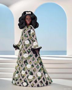 """Vogue Brasil on Instagram: """"Ausência sentida nesta temporada de LFW, @RichardQuinn divulgou uma prévia da sua coleção de inverno 2021, mas em versão miniatura,…"""" London Fashion Weeks, Young Designers, Black Barbie, Retro Hairstyles, Barbie Dress, Custom Dresses, Vivienne Westwood, Boho Dress, Ideias Fashion"""