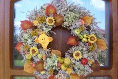 Jesenné dekorácie Floral Wreath, Wreaths, Fall, Home Decor, Author, Autumn, Floral Crown, Decoration Home, Door Wreaths