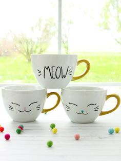 5 Cool And Unique Coffee Mugs You Can Buy Right Now DIY Projects There are lots of great advantages to buying coffee mugs as an investment, and this doesn't just mean that you're going to be saving on the cost of yo. Painted Coffee Mugs, Unique Coffee Mugs, Coffee Art, Easy Diy Crafts, Fun Crafts, Diy Becher, Make Your Own Coffee, Diy Mugs, Do It Yourself Crafts