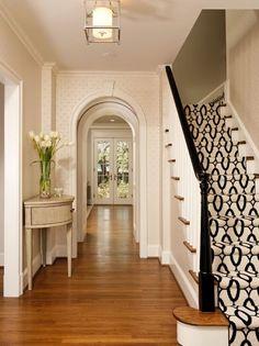 Best Carpet Runners For Stairs Beige Carpet, Patterned Carpet, Modern Carpet, Black And White Stairs, Architecture Design, Carpet Staircase, Staircase Runner, Carpet Stores, Foyer Decorating
