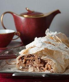 glykesalchimies_official Strudel 🍰🇦🇹🍰🇦🇹🍰 Try the favourite Austrian sweet! Link in Bio. Marijuana Recipes, Strudel, Apple Pie, Nom Nom, Cooking Recipes, Sweets, Breakfast, Ethnic Recipes, Desserts