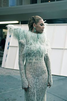 beyonce https://www.youtube.com/watch?v=BlSncMYtj5w&feature=youtu.be